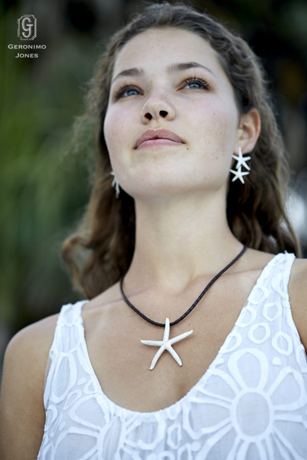 GJ Large sterling starfish pendant necklace on leather