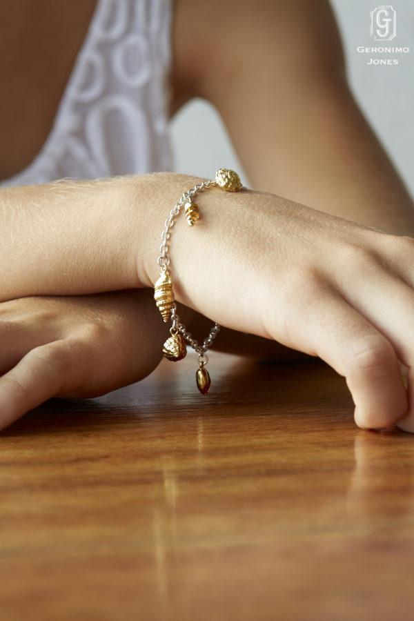 GJ Original Seashell Charm Bracelet Sterling Silver chain with 18ct Yellow Gold Vermeil shells