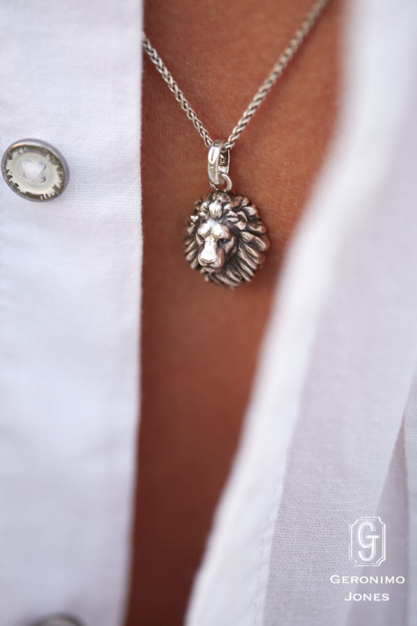 GJ Male Lion Head Pendant Necklace in English Sterling silver on chain